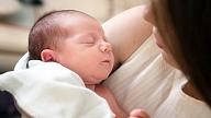 Bērna gaidīšana un piedzimšana: Kādas formalitātes vecāki var nokārtot elektroniski?