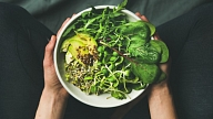 Kāpēc ikdienas ēdienkartē iekļaut dīgstus? Stāsta uztura speciāliste