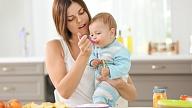 Mazuļu ēdināšanas ceļvedis: Kad vislabāk uzsākt piebarošanu?