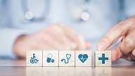 Aptauja: 47% Latvijas iedzīvotājus visvairāk satrauc veselības aprūpes pakalpojumu saņemšanas ierobežojumi