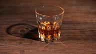 18. oktobrī tiešsaistē Rīgas dome diskutēs par alkohola lietošanas psiholoģiskajiem un sociālajiem aspektiem