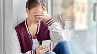 Kiberņirgāšanās: Kā rūpēties par savu psihisko veselību sociālo tīklu laikmetā?