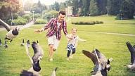 Kā aktīvi un veselīgi pavadīt Tēva dienu? Iesaka speciālisti