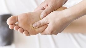 10 vingrinājumi pēdu stiprināšanai mājas apstākļos
