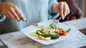 4 hormoni, kas ietekmē ēšanas paradumus un ķermeņa svaru