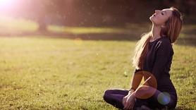 5 izplatītimīti par pavasara sauli un ādas aizsardzību