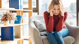 Kā rīkoties, ja piemeklējušas stipras galvassāpes? Skaidro speciālisti