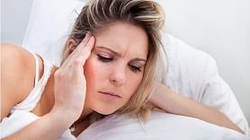 Kā sadzīvot ar migrēnu? Stāsta neiroloģe
