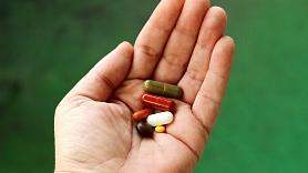 Kādas ir biežākās ādas reakcijas, lietojot medikamentus, un kā tās novērst? Skaidro dermatoloģe