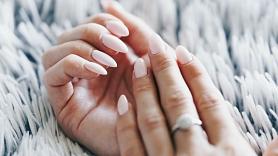 Rūpes par roku ādu vēsajā laikā: Iesaka speciāliste