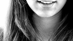 5 ieteikumi, kā cīnīties ar zobu griešanu un tās sekām