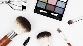 Dermatoloģe: Laiku pa laikam ir svarīgi sejas ādu atpūtināt no dekoratīvās kosmētikas