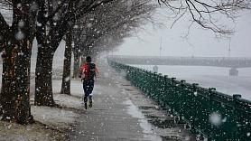 Praktiski padomi drošai sportošanai aukstā laikā