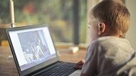 10 pazīmes, kas var liecināt, ka bērns cieš no emocionālās pazemošanas internetā