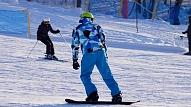 Apdrošinātājs: Ziemas sporta aktivitātēs gūtās traumas ārvalstīs var izmaksāt vairākus tūkstošus eiro
