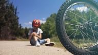Eksperti: Bērnu traumatisma galvenie iemesli ir vecāku bezatbildība