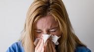 Kā atšķirt iesnas un saaukstēšanos no alerģijas? Stāsta eksperti