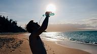 Kā karstā laikā saudzēt veselību? Iesaka mediķi