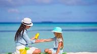 Kā pasargāt bērnu no pārkaršanas? Stāsta pediatre