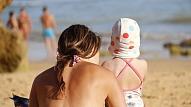 Kā pasargāt savu un bērna ādu no saules kaitīgās ietekmes?