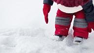 Kā ziemā pasargāt bērnu no saaukstēšanās? Iesaka farmaceite