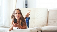Kam jāpievērš uzmanība, atstājot bērnu vienu pašu mājās? Skaidro pediatre