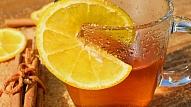 Karsti dzērieni vai ledus gabaliņi – kura metode ir efektīvāka iekaisuša kakla ārstēšanai?