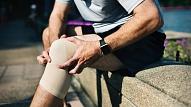Kas izraisa sāpes locītavās un kā tās ārstēt? Skaidro eksperti