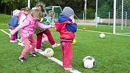 Pediatre: Bērnam katrā vecumā jāattīsta atšķirīgas fiziskās prasmes