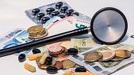 Viedoklis: Ko darīt, lai maksājumi par zālēm cilvēkus neiedzen nabadzībā?