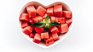 5 vasaras veltes ēdienkartē un skaistumkopšanā: Iesaka farmaceite