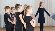 Deju un kustību terapija: Kam tā ir piemērota un kādos nolūkos to pielieto?