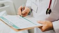 Ģimenes ārsts: Papildspēkus gaidot, ģimenes medicīna laukos–izdegusi un vientuļa