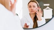 Kā aizsargāt ādu no ultravioletā starojuma un zilās gaismas? Iesaka speciāliste