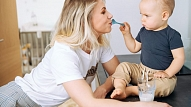Kā pabarot mazuli – izvēlīgu ēdāju? Stāsta uztura speciāliste