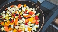 Kā pagatavot veselīgas un gardas dārzeņu maltītes?