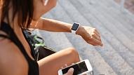 Kā sievietes veselībai var palīdzēt viedtālruņi un viedpulksteņi? Stāsta ekspertes