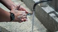 Ko ņemt vērā, lai pastiprināta roku higiēnas ievērošana nekaitētu ādai?