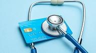 Mediķu un citu Covid-19 ierobežošanā iesaistīto darbinieku piemaksām piešķir 23,4 miljonus eiro