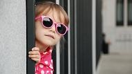 Optometriste: Bērniem valkāt saulesbrilles ir tikpat svarīgi kā pieaugušajiem