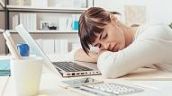 Pētījums: 70% cilvēku mēdz iet uz darbu arī slimi