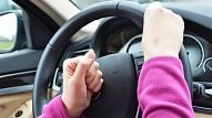 Speciālisti: Aiz pārgalvīgas braukšanas slēpjas apspiestas emocijas