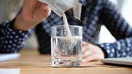 Trieciens saaukstēšanās simptomiem –karstie dzērieni: Priekšrocības un trūkumi