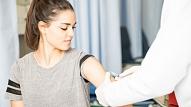 VM: Gatavojoties masveida vakcinācijai pret Covid-19,apmācīs papildu personālu