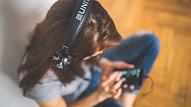 5 neuzkrītošas pazīmes, ka tev pasliktinās dzirde