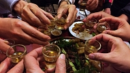 5 pazīmes, ka tu pārāk daudz lieto alkoholu