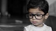 7 pazīmes, kas liecina - bērns jāved pie acu ārsta