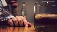 8 pazīmes, kas raksturo funkcionālu alkoholiķi