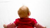 Fizioterapeite: Rāpošana pirmajā dzīves gadā ir vitāli svarīga bērna turpmākajai attīstībai