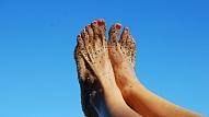 Kā parūpēties par sausiem un saplaisājušiem papēžiem?